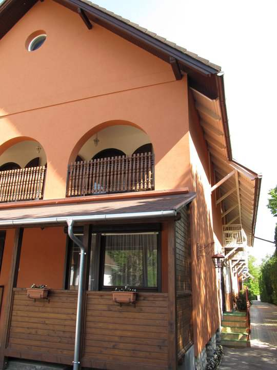 Rooms with balcony available for guests